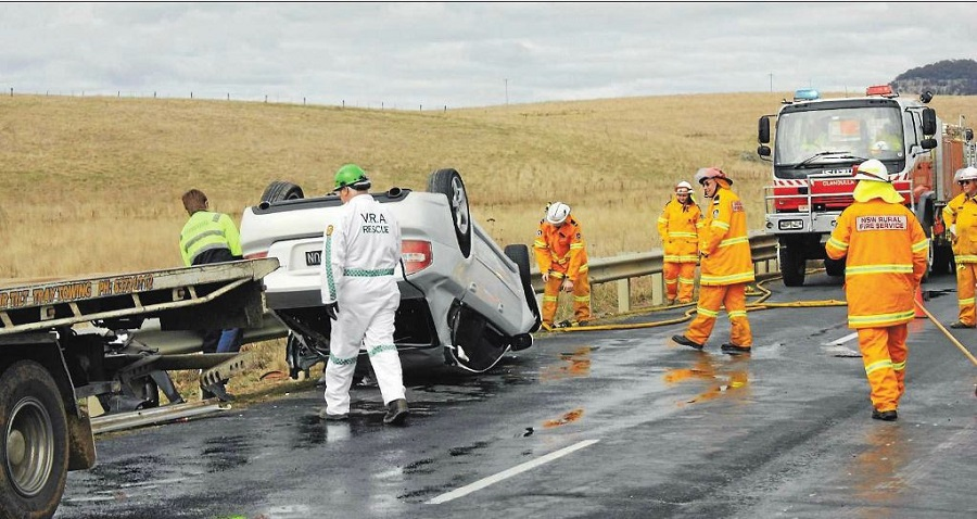 VOLUNTEER RESPONSE: National Volunteer Week is May 13 to 19. Pictured are volunteers from the Mudgee Rescue Squad and Rural Fire Service responding to a crash on the Castlereagh Highway.